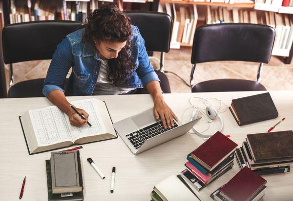 האם ניתן לשלול מלגה באמצע שנת לימודים?